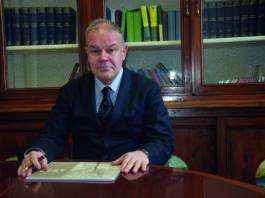 Angelo Tagliabue, classe 1958, professore ordinario di Malattie odontostomatologiche e direttore del Dipartimento di Medicina e Chirurgia, dal 1 novembre 2018 è Magnifico Rettore dell'Università degli Studi dell'Insubria per il sessennio 2019-2024