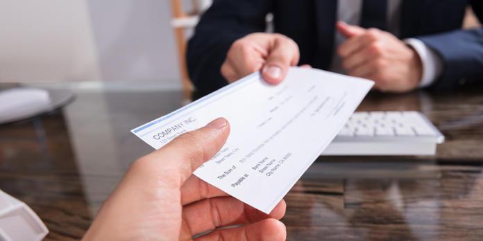 indicazione del beneficiario in bianco